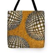 M U M 2 - Bulge Dots Tote Bag