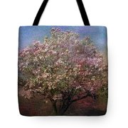 Magnolia Tree In Bloom Tote Bag