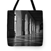 Main Building Arches University Of Texas Bw Tote Bag