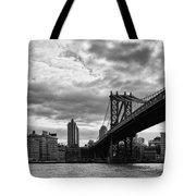 Manhattan Bridge In Bw Tote Bag