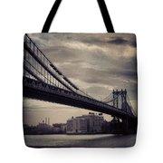 Manhattan Bridge In Ny Tote Bag
