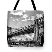 Manhattan Bridge - Pike And Cherry Streets Tote Bag