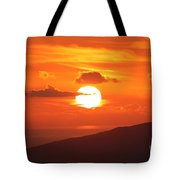 Maui Kulamalu Sunset 3 Tote Bag