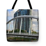 Fx1l820 Main Street Bridge In Front Of Miranova Tote Bag