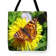 Monarch Butterfly Feeding On A Yellow Dandelion Flower Tote Bag