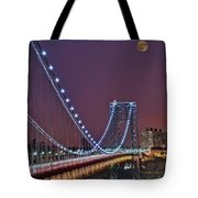 Moon Rise Over The George Washington Bridge Tote Bag by Susan Candelario