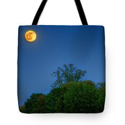 Moon Rising At The Lake House 05/24/13 Oakland County Mi Tote Bag