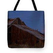 Moonrise Over Decrepit Barn Tote Bag
