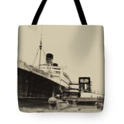Morning Fog Russian Sub And Queen Mary Heirloom Tote Bag