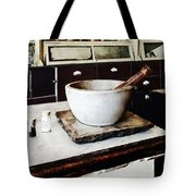 Mortar And Pestle In Apothecary Tote Bag