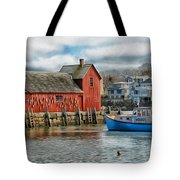 Motif #1 Watches Over The Amie V2 Tote Bag