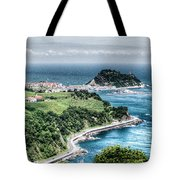 Mouse On The Sea Tote Bag