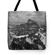 T-703512-bw-mt. Hungabee From Summit Of Mt. Lefroy-bw Tote Bag