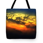Nebraska Mammatus Sunset Tote Bag