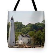 New London Harbor Lighthouse Tote Bag
