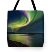 Northern Lights Over Thingvallavatn Or Tote Bag