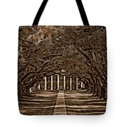 Oak Alley Bw Tote Bag