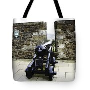 Oil Painting - Cannons And Cannon Balls At Walls Of Stirling Castle Tote Bag
