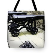 Oil Painting - Tourists And Cannons With Ammunition At The Wall Of Stirling Castle Tote Bag