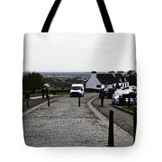 Oil Painting - Van Approaching The Entrance Of The Stirling Castle In Scotland Tote Bag