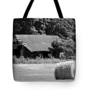 Barn In Kentucky No 84 Tote Bag
