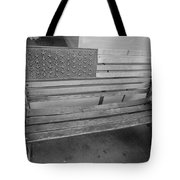 Old Glory Bench In Philadelphia Tote Bag
