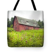 Old Red Barn In A Field - Rustic Landscapes Tote Bag