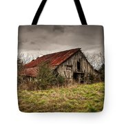 Old Rustic Barn Tote Bag