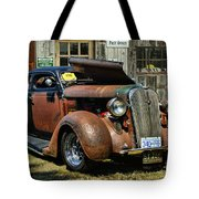 Old Rusty Car At The Old Shop  Ca5083a-14 Tote Bag