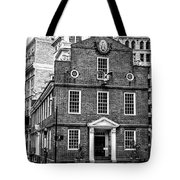 Old State House In Boston Tote Bag