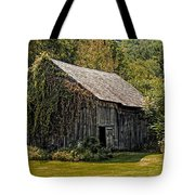 Old Vermont Barn Tote Bag