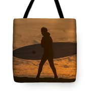 One Last Wave Tote Bag by Bruce Frye