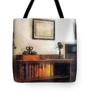 Optometrist - Eye Doctor's Office With Diploma Tote Bag