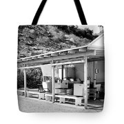 Outdoor Laundry Bw Palm Springs Tote Bag