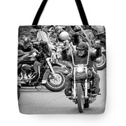 Oyster Run Tote Bag