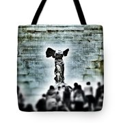 Pause - The Winged Victory In Louvre Paris Tote Bag