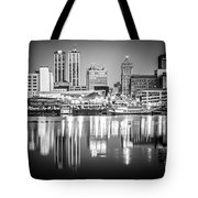 Peoria Illinois Skyline At Night In Black And White Tote Bag