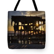 Peter Iredale Shipwreck Sunset Tote Bag