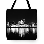 Philadelphia Skyline Panorama In Black And White Tote Bag