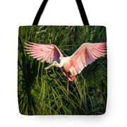 Pink Bird Flying - Spoonbill Coming In For A Landing Tote Bag