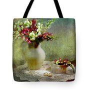Pitcher Of Snapdragons Tote Bag by Diana Angstadt