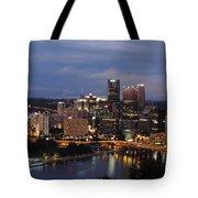 Pittsburgh Skyline At Dusk From Mount Washington Tote Bag
