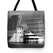 Platt Street Bridge Up Tote Bag