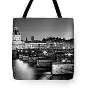 Pont Des Arts And Institut De France / Paris Tote Bag