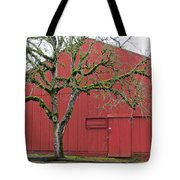 Red Barn And Green Tree In Dundee Hills Oregon Wine Country Tote Bag