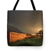 Red Barn At Sundown Tote Bag
