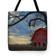 Red Barn At Sunset Tote Bag