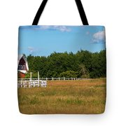 Red Barn In Meadow, Knowlton, Quebec Tote Bag