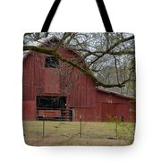 Red Barn Series Picture E Tote Bag