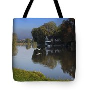 River Thames At Cookham Tote Bag